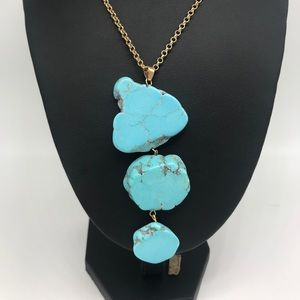 Turquoise dyed howlite graduated slab necklace